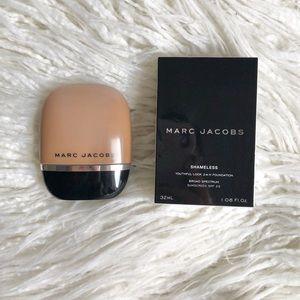 Marc Jacobs Shameless Foundation - Y480